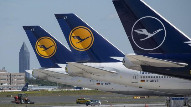 Lufthansa-Piloten bekräftigen Angebot für Gehaltsverzicht