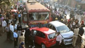 Indischer Busfahrer richtet Blutbad an