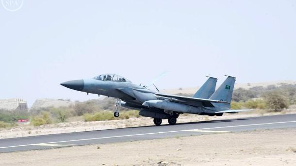 Saudische Koalition bombardiert Houthis trotz Waffenruhe
