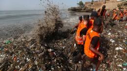 Urlaubsparadies versinkt im Plastikmüll
