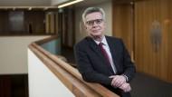 """""""Eine Mischung aus Abschiedsschmerz und Erleichterung"""": Thomas De Maizière an seinem Noch-Arbeitsplatz in Berlin"""