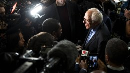 Demokraten gehen Sanders an