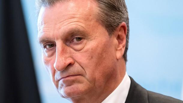 Oettinger will an Zeitumstellung festhalten