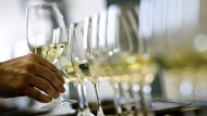 Weißwein ist bei Deutschen beliebt – aber würden sie ihn auch ohne Alkohol trinken?