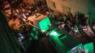 Ort des Anschlags: Rettungskräfte am Samstagabend in den Gassen von Gaziantep.