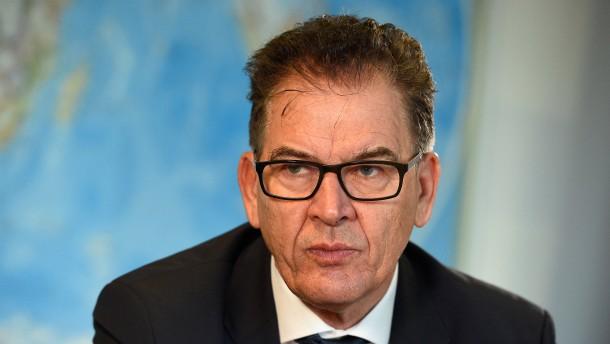 CSU-Minister lehnt Sanktionen für nordafrikanische Staaten ab