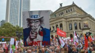 25.000 demonstrieren in Frankfurt