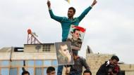 Zweckbündnis: Kurden und Assad-Einheiten stehen in Afrin gegen die türkische Armee – die will beide nicht schonen.