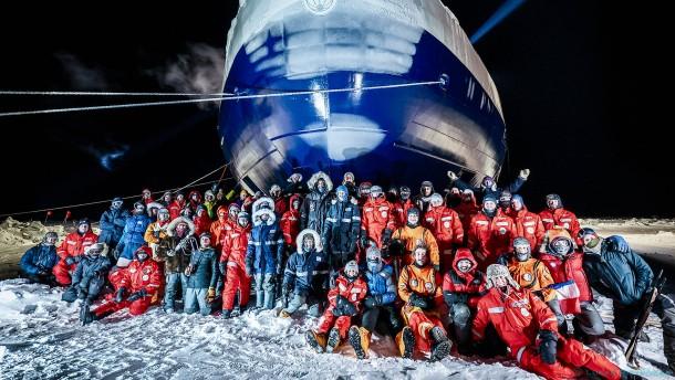 """Crew-Wechsel auf """"Polarstern"""" verzögert sich"""