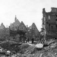 Der nach Bombenangriffen in Zweiten Weltkrieg zerstörte Römer.