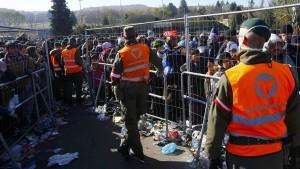 Österreich baut Zaun an der Grenze zu Slowenien