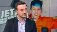 CDU-Generalsekretär Paul Ziemiak (Vordergrund) hat Youtuber Rezo zur Debatte eingeladen.
