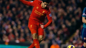 Liverpool's Suarez scores his second goal against Sunderland during their English Premier League soccer match in Liverpool