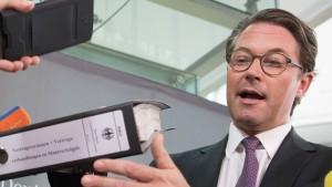 Opposition wirft Minister Scheuer Geheimhaltung vor