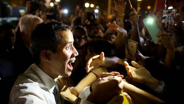 Guaidó ruft zum Karneval der Proteste auf