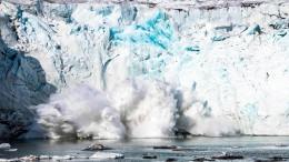 Grönlands Gletscher kalben immer schneller