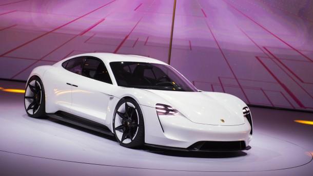 Porsche baut Elektroauto in Stuttgart