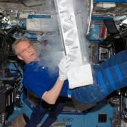 Durchgetaktete Arbeitstage mit atemberaubender Aussicht: Thomas Reiter 2006 auf der Internationalen Raumstation ISS