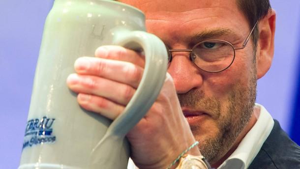 Guttenberg mahnt schärferes Unionsprofil an
