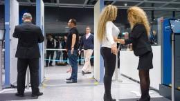 Flughafenkontrolleure drohen mit neuen Streiks