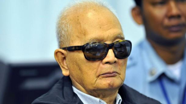 Anklageschrift gegen Rote Khmer verlesen