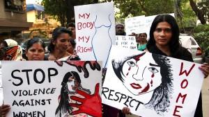 Keine Strafmilderung für Gruppenvergewaltiger in Indien