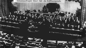 Zehn Jahre Weimarer Verfassung