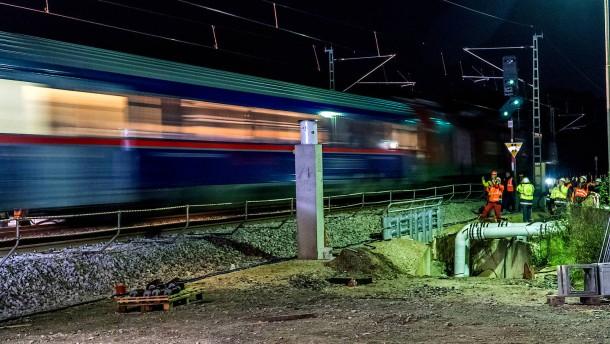 Wieder Zugbetrieb auf der Rheintalbahn