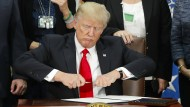 Trump will schlechtesten Deal aller Zeiten doch nicht kündigen