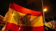 Ein demonstriert gegen eine mögliche Abspaltung von Spanien