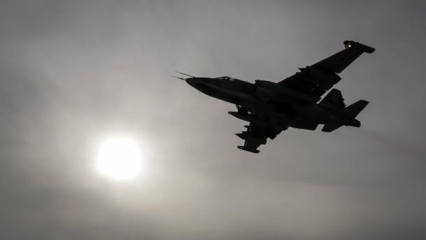 Russland hält Manöver mit Tausenden Soldaten ab