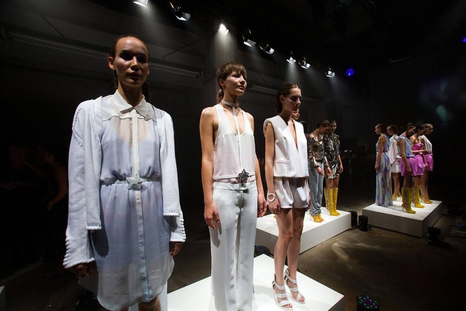 Lala Berlin: Die Designerin Leyla Piedayesh zeigt während der Berliner Fashion Week 2011 ihre Entwürfe für den Sommer 2012.