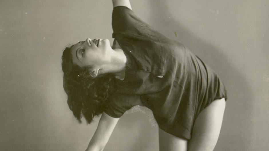 Sehnsucht nach neuer Entgrenzung: Bewegungsstudie mit der Tänzerin Vera Skoronel