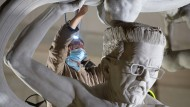 Bildhauer Peter Lenk über seine Winfried-Kretschmann-Skulptur