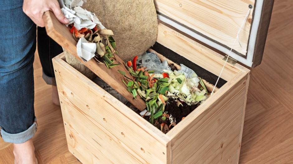 Biomüll ohne Mief: Lüftet man den Deckel, riecht es nach feuchter Walderde.