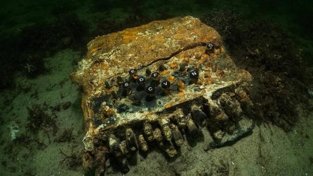 Umweltschützer entdecken Enigma in der Ostsee