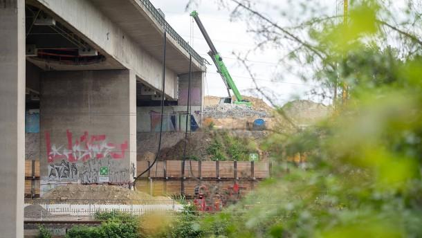 Hitze möglicher Auslöser für Schäden an Salzbachtalbrücke