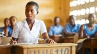 Will Bankkauffrau werden: Tumawoo Mavis während des Unterrichts in einem Klassenzimmer der Presbyterian Senior High School in Tamale