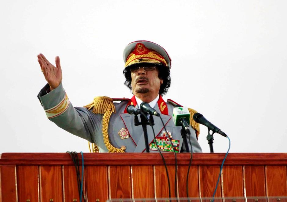 """Namen hatte """"Bruder Oberst"""" viele: Terror-Pate, politischer Derwisch, Irrlicht der arabischen Welt; Irrer von Tripolis"""