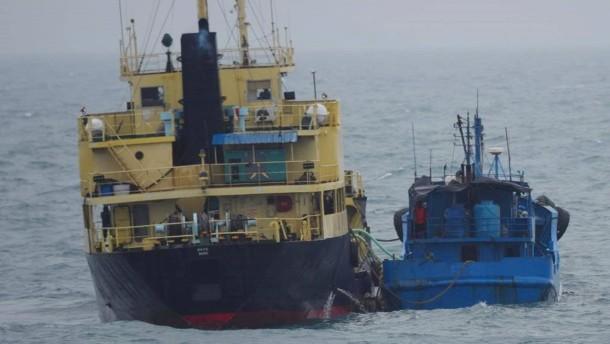 Vereinte Nationen sanktionieren Dutzende Schiffe und Firmen
