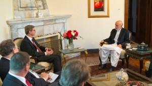 Karzai wirbt für Friedensgespräche mit Taliban