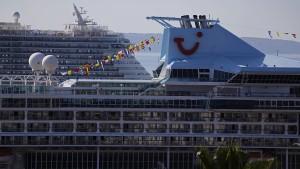 Kreuzfahrtschiff nimmt 111 Migranten auf