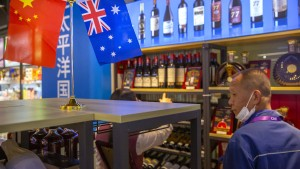 Parlamentarier fordern mehr Wein trinken im Dezember!