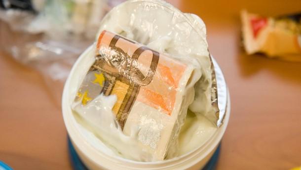 Schmuggler schlucken neuerdings Flüssig-Koks