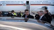 Ankunft in Washington: Erste große Reise des neuen obersten Diplomaten Gabriel