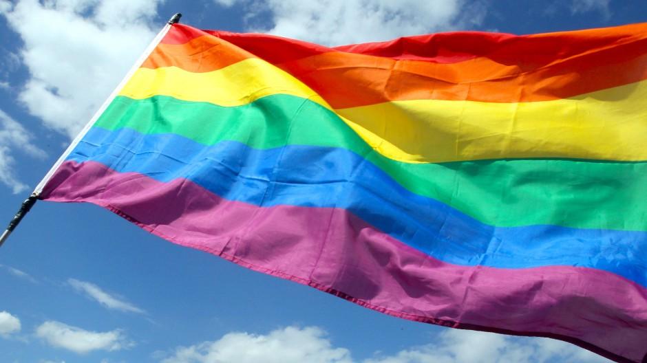 Die Regenbogenflagge: Im Klassenzimmer erlaubt?