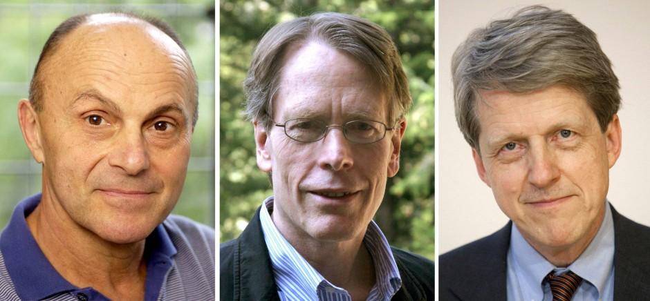 Der Wirtschaftsnobelpreis geht an die amerikanischen Forscher: Eugene Fama, Lars Peter Hansen und  Robert J. Shiller (links nach rechts)