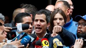 Venezuela beantragt Ausreisesperre gegen Guaidó