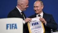 Fifa und Putin loben sich gegenseitig