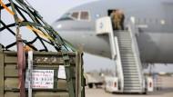 Flugzeug mit deutschen Waffen gestartet